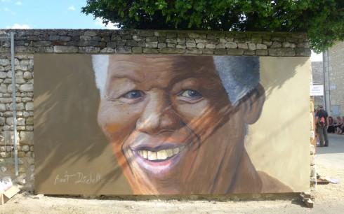 Portrait de Nelson Mandela - Acrylique sur toile - 400 x 200 cm Toile réalisée en 8 heures lors des Pussifolies 2014